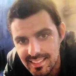 Albavilla, la morte di Mattia dopo due anni  «Non archiviatela, continuate le indagini»