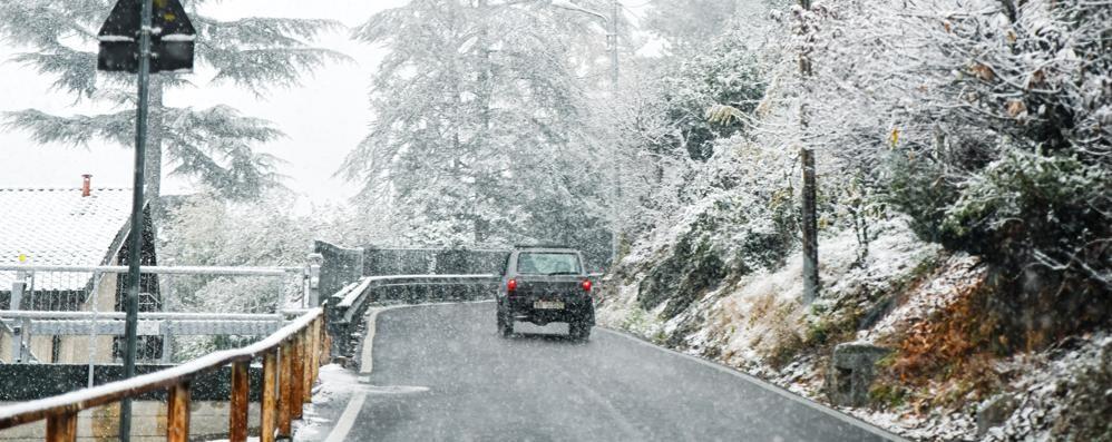 Prima neve, è già inverno  e domani attesi 20 cm