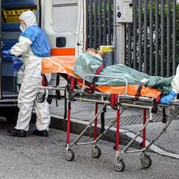 Finalmente in calo il numero di morti  Ma i nuovi contagi sono ancora tanti