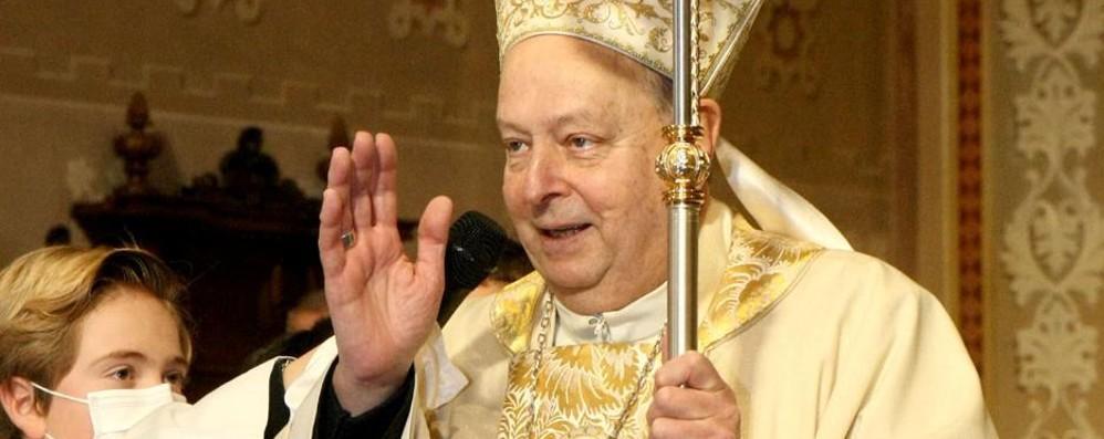 Il vescovo Oscar torna a Tremezzo  «Qui sono più a casa che altrove»