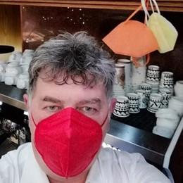 Mascherine con il colore delle zone  «Che caos, informo i clienti del bar»