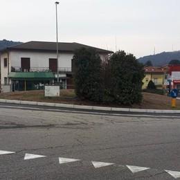 Riaperta la rotonda sulla Briantea  «Mai più case e negozi allagati»