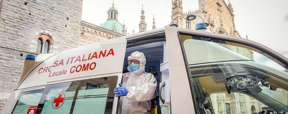 Diminuiscono i tamponi e i nuovi casi   Coronavirus, altre 12 vittime sul Lario