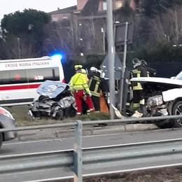 Scontro tra auto a Rovello  Due feriti, uno in modo grave