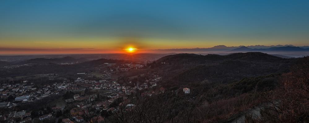 Cavallasca, tramonto spettacolare  Guardate la differenza con Milano