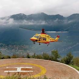 Albavilla, malore alla Capanna Mara  Donna soccorsa con l'elicottero