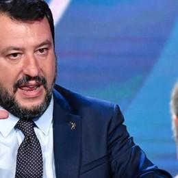 «O cristiani o di Salvini»  Don Alberto a processo
