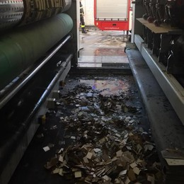 Bregnano, incendio in azienda  Intervengono i vigili del fuoco