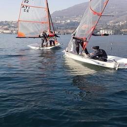 La squadra Yacht Club al via Prima regata a Valmadrera