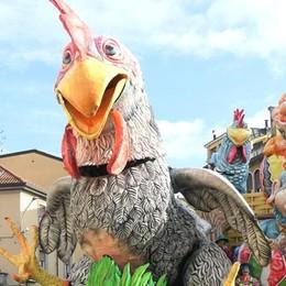 Sfilata di Carnevale   In 2600 a Cantù