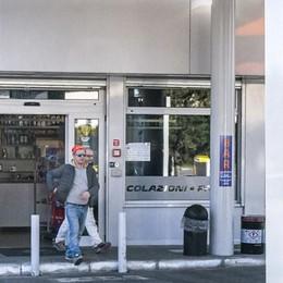 Assalto al distributore   I rapinatori in fuga sparano