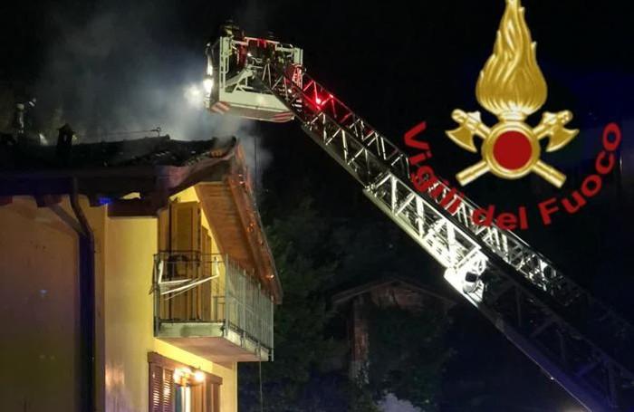 L'intervento dei vigili del fuoco a Nesso