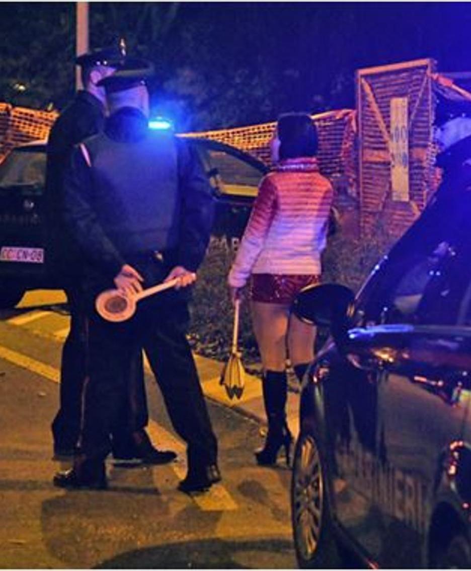 Controlli antiprostituzione dei carabinieri sulla Novedratese
