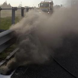 Si incendia il gasolio  In fiamme un chilometro di tubi
