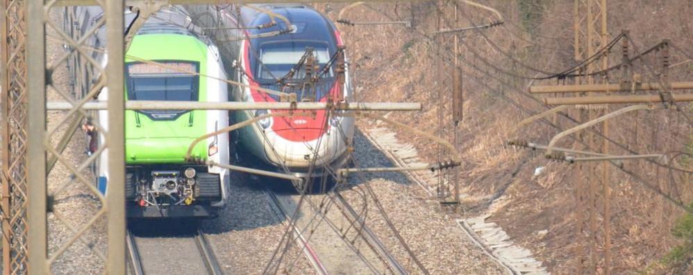 Uomo travolto e ucciso dal treno  Forti ritardi sulla Milano-Chiasso   QUI il link sulla circolazione