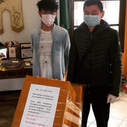 I gestori del ristorante cinese  regalano 1.450 mascherine