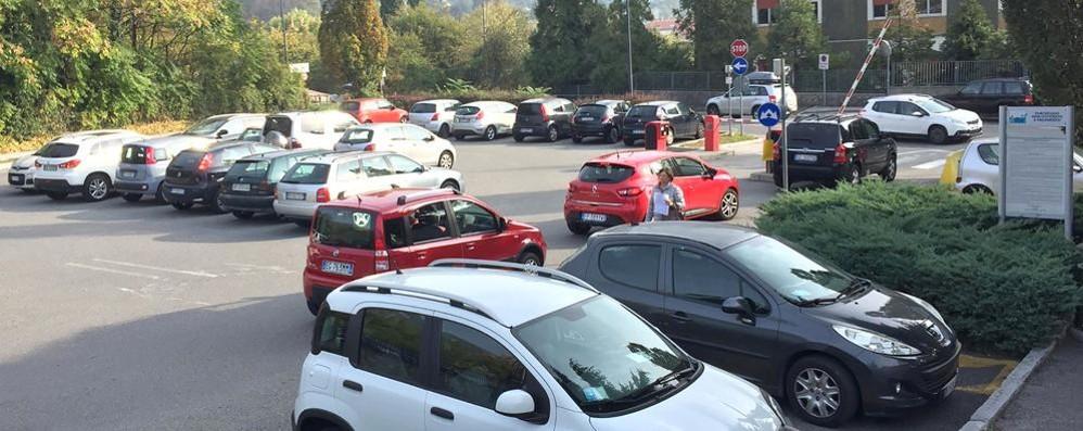 Erba, dai parcheggi 650mila euro  Ma pochi pagano la sosta in centro