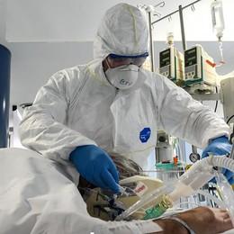 Erba, servono guanti, visiere e camici  L'ospedale Fatebenefratelli: «Donate»