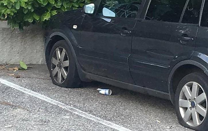 Valbrona, vandali in azione  Tagliate le gomme a 10 auto