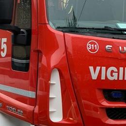 Incendio a Gallarate  Rischio diossina  «Non aprite le finestre  nelle zone limitrofe»