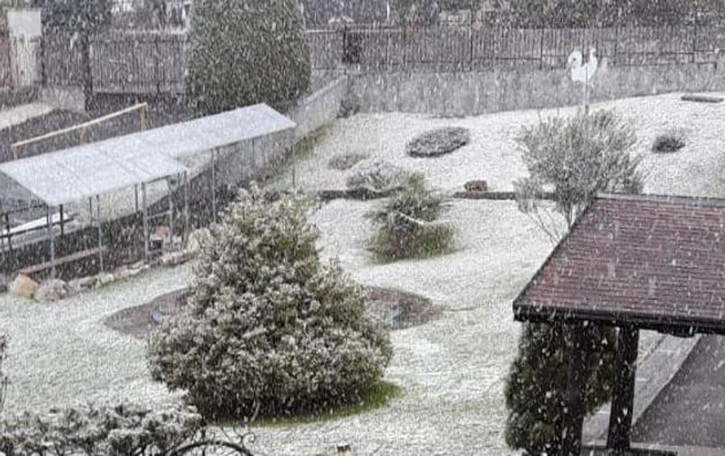 Altro che primavera  In Valle Intelvi nevica   GUARDA IL VIDEO