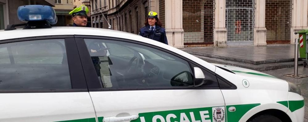 Da Milano a fare spesa o da amici  Cantù non fa sconti: 8 denunciati