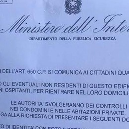 Coronavirus: «Controlli   all'interno dei domicili» Ma la polizia avverte: cartelli falsi