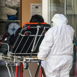 Coronavirus, i medici contro l'ex Asl  «Siamo stati abbandonati in prima linea»