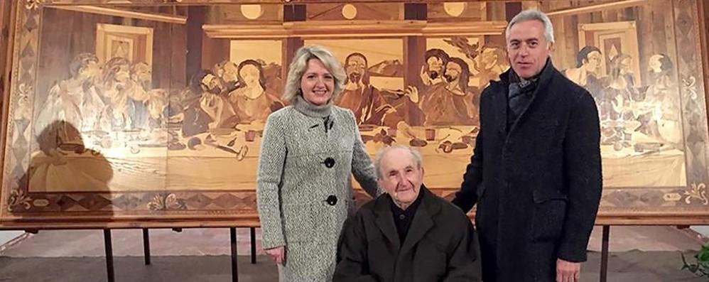 Erba, addio all'artista Angelo Bottelli  Specialista dell'intarsio, lascia 108 opere