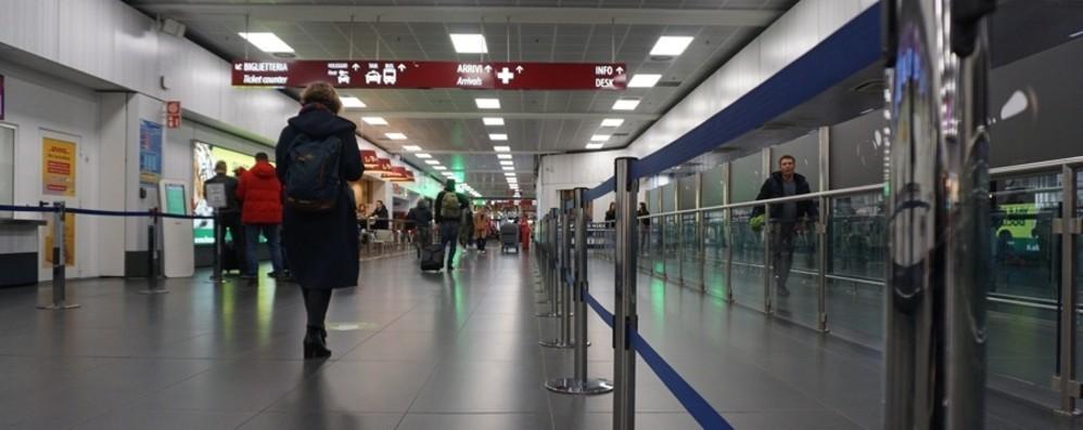 Emergenza Coronavirus  Controlli negli aeroporti e nelle stazioni  Ecco le decisioni per chi viaggia