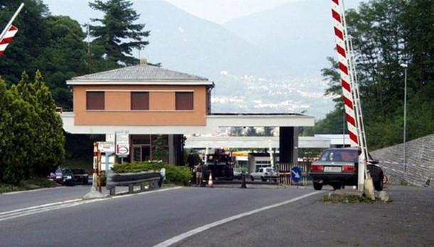 Coronavirus in Ticino  Imprese verso la fase due  Riapre il valico di Bizzarone