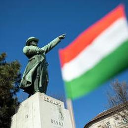 Ungheria: Von der Leyen, misure d'emergenza rispettino valori Ue