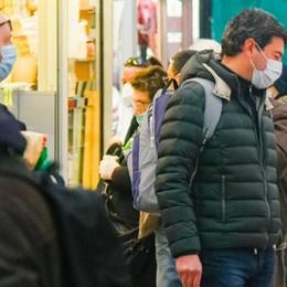 Coronavirus, aumentano le persone   fuori casa: «Pericoloso, non molliamo»