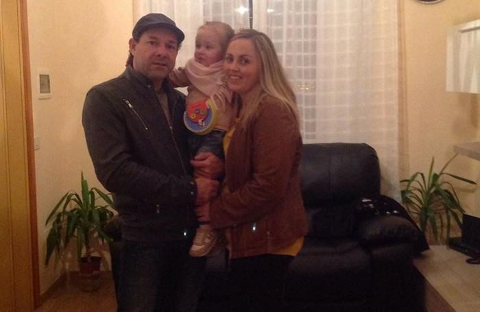 Yobany Restrepo 47 anni , Veronica Ovachuk 34 anni con la primogenita Maria Isabel