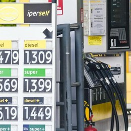 Benzina meno cara  Ma per i distributori  affari giù del 90%