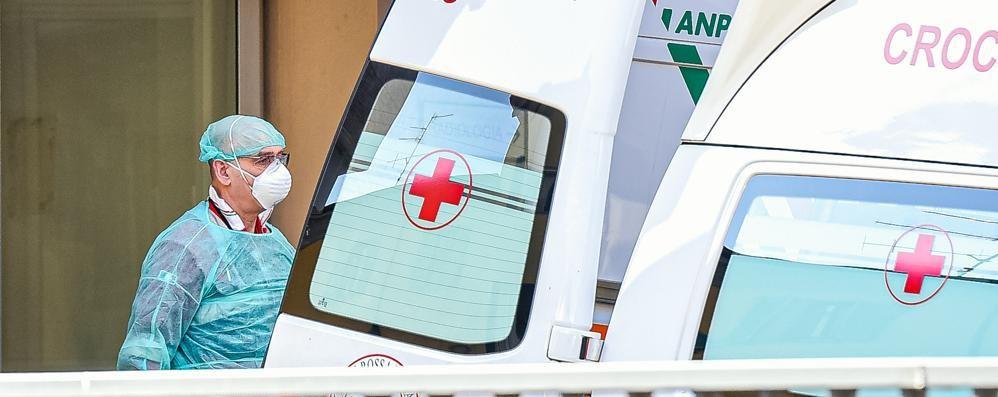 Calano i ricoveri in ospedale Ma ci sono altre sette morti