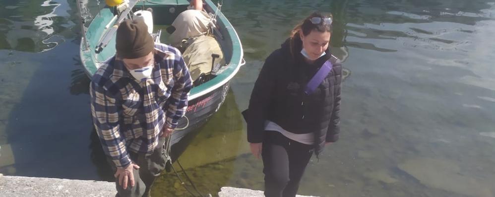 Da Mezzegra a Lezzeno e ritorno  Così il barcaiolo aiuta l'infermiera