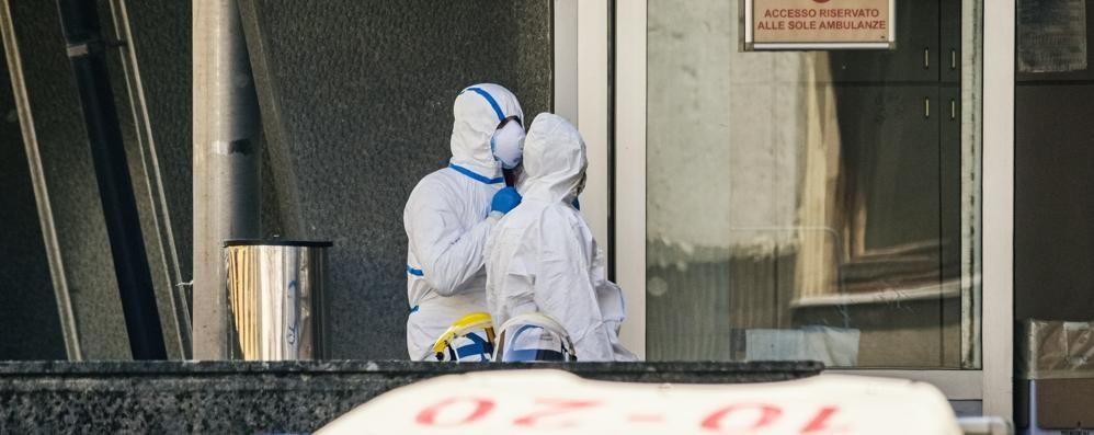 Infermieri e Oss, già 150 sono malati   «Stremati, ma nessuno si tira indietro»