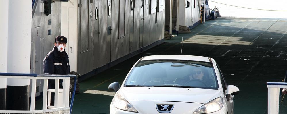 Menaggio-Bellagio-Varenna  L'unico traghetto usato da 45 persone