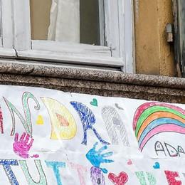 Passeggiate con i bambini  Fontana: «Restano vietate  In Lombardia non si cambia»