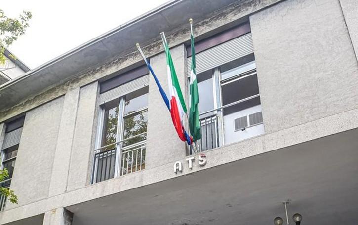Tamponi a tutti come nel Veneto  I sindaci ad Ats: «Pronti a pagarli»