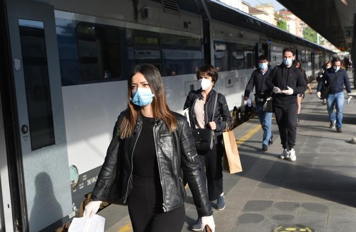 L'arrivo a Cadorna del treno partito alle 7,19 da Como Borghi