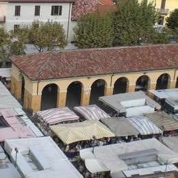 Erba, il sindaco blocca   ancora il mercato  «Manca sicurezza»