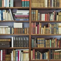 Fontana: «In Lombardia  le librerie restano chiuse»