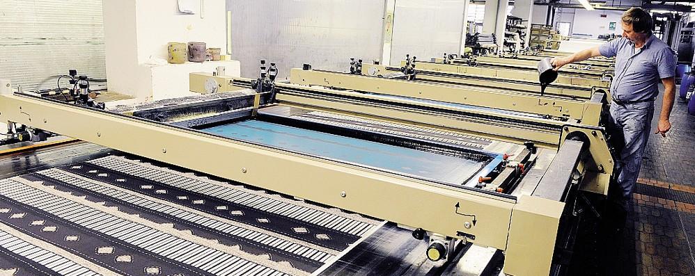 Mancano gli ordini  Il tessile di Como  taglierà i posti di lavoro?