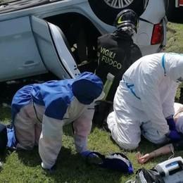Auto si ribalta a Oltrona  Una donna è rimasta ferita