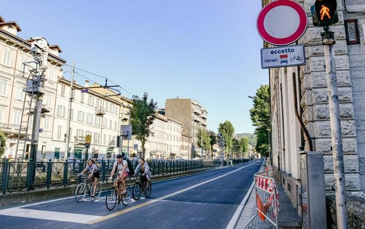 Como, più spostamenti in bicicletta  Segnaletica e utilizzo delle preferenziali