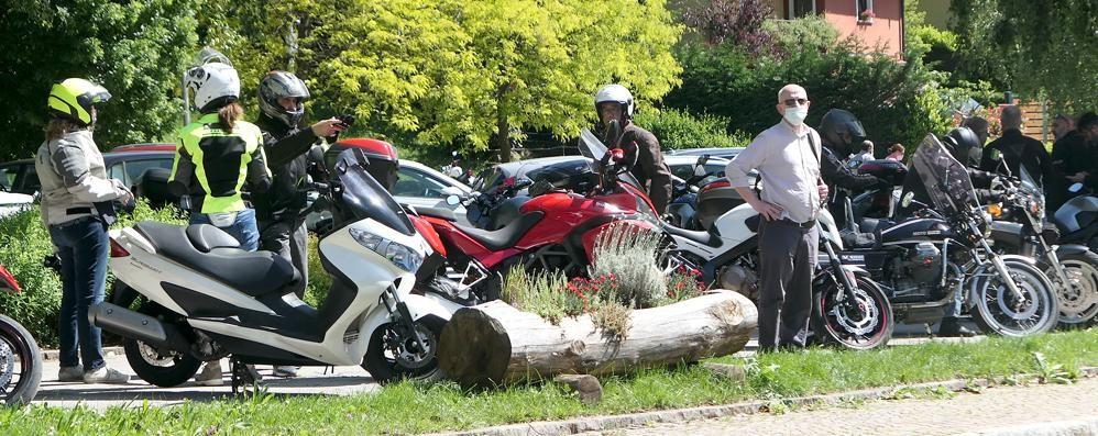 Magreglio, centinaia in moto al Ghisallo  «Impressionante, chiudo il piazzale»