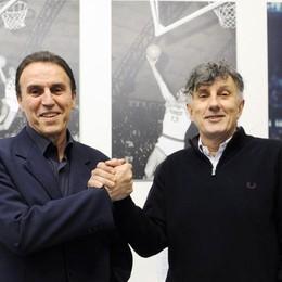 Raccolta fondi per il basket locale  Basta fare un canestro da 4... euro