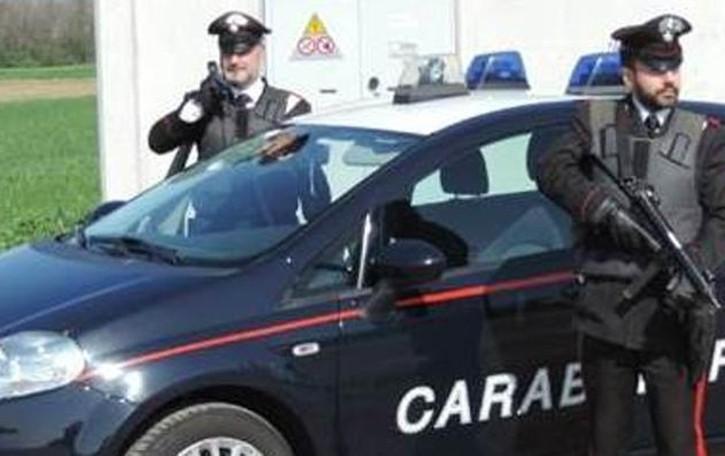 Ruba alcolici al centro sportivo  Arrestato dai carabinieri